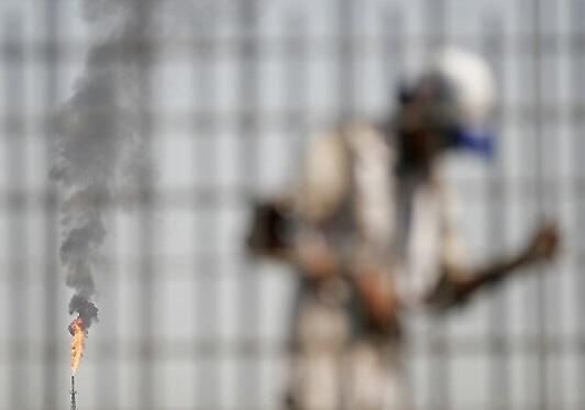 ساخت سالنهای ورزشی در کارون در گرو حمایت وزارت نفت