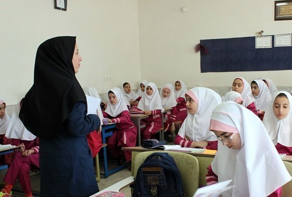مدیرکل آموزش و پرورش خوزستان خبر داد:راهیابی ۱۶ معلم خوزستانی به مرحله داوری کشوری جلوه های ویژه معلمی